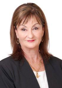 Ann Hutton AREINZ